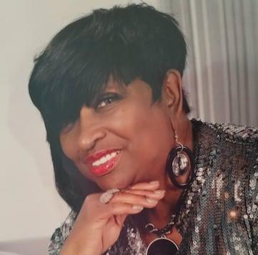 Lucille Watts 901-870-7776 :